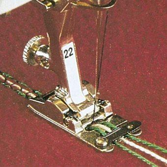 Лапка Bernina №22 - для шнура (3 желобка)